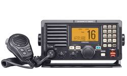 m604a-submersible-dsc-vhf-radio-black